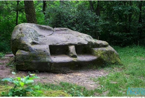 Кудепстинский жертвенный (черкеский) камень